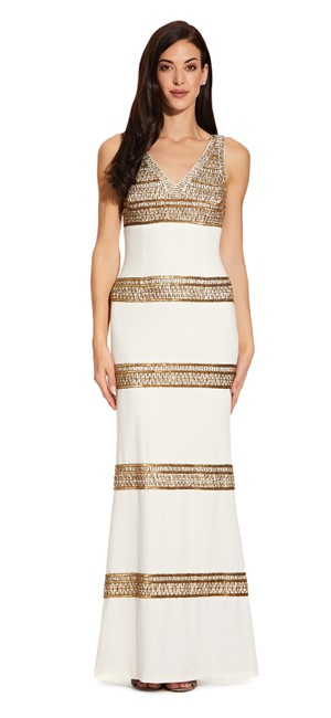 Item - Ivory/Gold Sequin Striped Crepe Gown Long Formal Dress Size 8 (M)