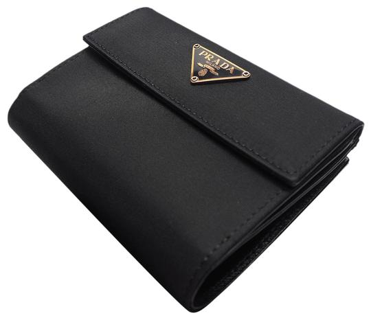 Preload https://img-static.tradesy.com/item/27936688/prada-nero-bi-fold-tssuto-gold-nylon-x-leather-gold-logo-1m0523-ladies-men-s-unisex-compact-wallet-0-1-540-540.jpg