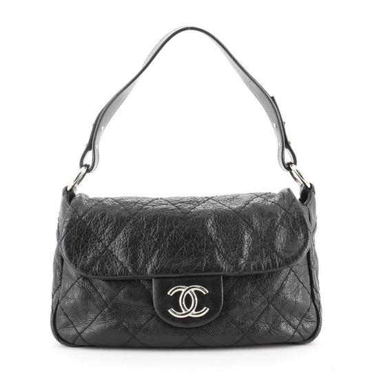 Preload https://img-static.tradesy.com/item/27939152/chanel-classic-flap-on-the-road-quilted-small-black-leather-shoulder-bag-0-0-540-540.jpg