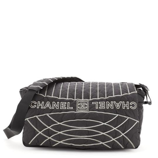 Preload https://img-static.tradesy.com/item/27939212/chanel-messenger-sport-line-embroidered-large-black-nylon-cross-body-bag-0-0-540-540.jpg