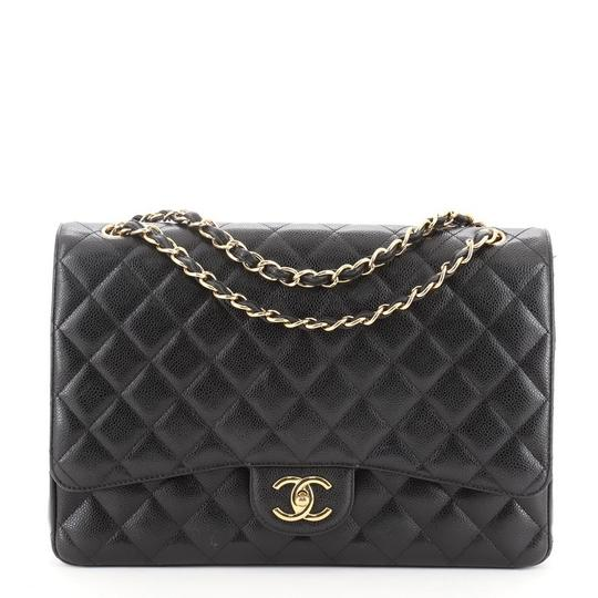 Preload https://img-static.tradesy.com/item/27939324/chanel-classic-flap-classic-double-quilted-caviar-maxi-black-leather-shoulder-bag-0-0-540-540.jpg