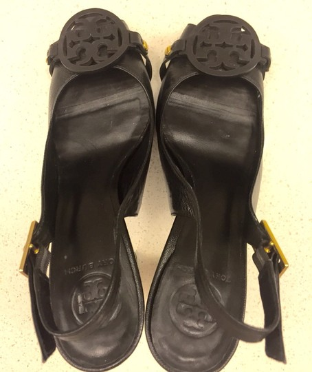 Tory Burch Black And Gold Pumps