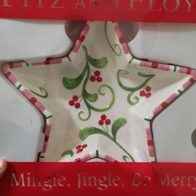 White New W/Tag and Christmas Star Mistletoe Bowl Can Serverware White New W/Tag and Christmas Star Mistletoe Bowl Can Serverware Image 1