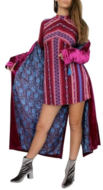 Item - Graphic A-line Tribal Long Sleeves Mock Neck Short Cocktail Dress Size 0 (XS)