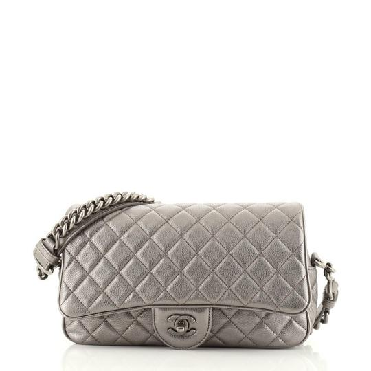 Preload https://img-static.tradesy.com/item/27947646/chanel-classic-flap-casual-rock-airlines-quilted-goatskin-small-silver-leather-shoulder-bag-0-0-540-540.jpg