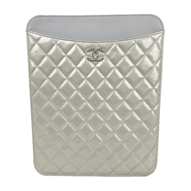 Item - Silver Brilliant Quilted Ipad Case Tech Accessory