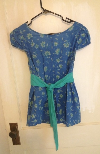 Other Empire Waist With Capped Sleeves Ties In Back Top Blue Floral