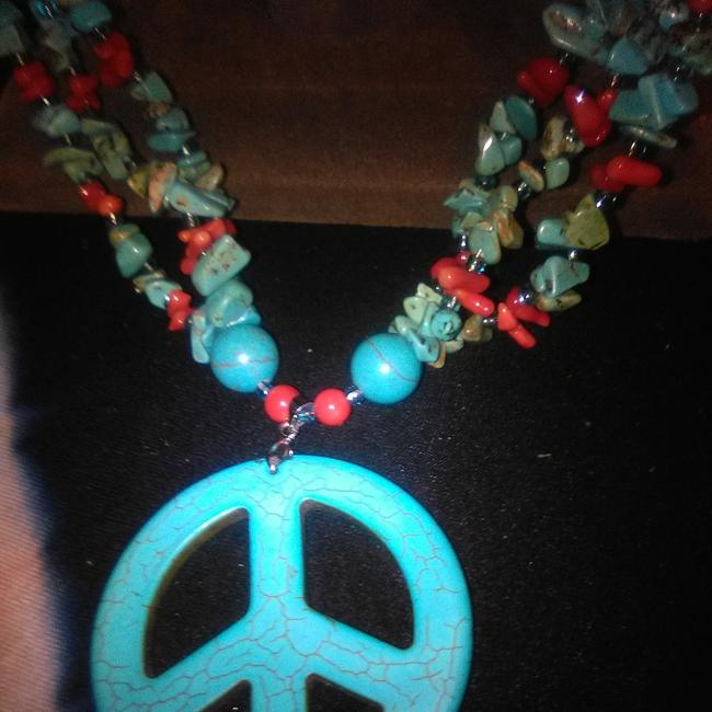 Item - Turquoise & Red Coral Jade Necklace