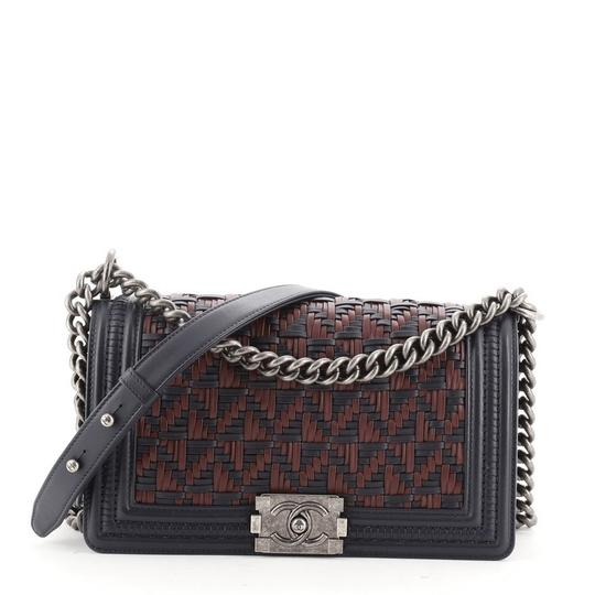 Preload https://img-static.tradesy.com/item/27955539/chanel-classic-flap-boy-woven-calfskin-old-medium-blue-red-leather-shoulder-bag-0-0-540-540.jpg