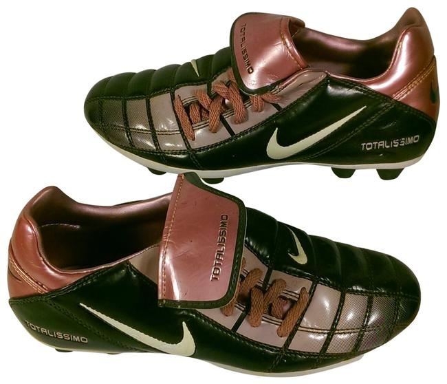 Item - Black W/Pink and White Accents Totalissimo Youth Girl's W/Pink Swoosh Logo Cleat 2y Sneakers Size US 4 Regular (M, B)