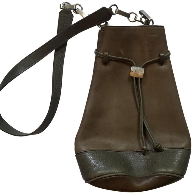 Item - Bucket Tan Leather Cross Body Bag