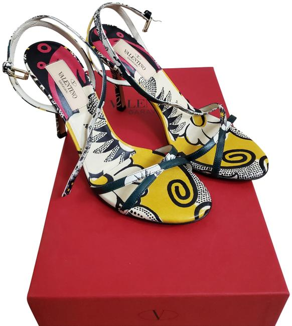 Valentino Green Yellow Red Printed Sandals Size EU 36 (Approx. US 6) Regular (M, B) Valentino Green Yellow Red Printed Sandals Size EU 36 (Approx. US 6) Regular (M, B) Image 1