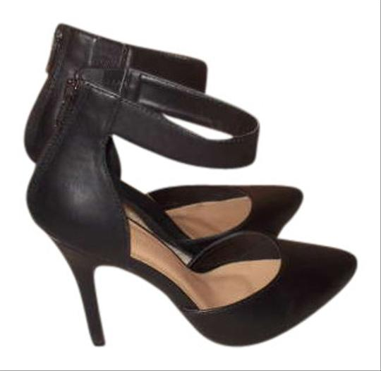 Preload https://img-static.tradesy.com/item/279594/forever-21-pointed-toe-cuff-ankle-strap-black-pumps-279594-0-0-540-540.jpg