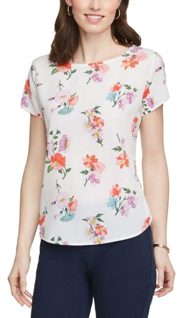 Item - White Floral Mixed Media Floral Tee Shirt Size 6 (S)