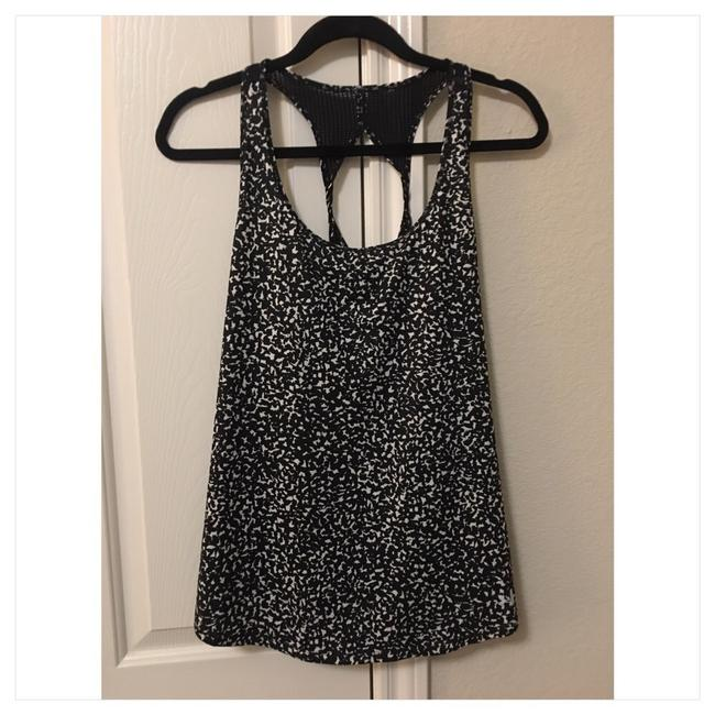 Item - Black/White Heatgear Activewear Top Size 12 (L)