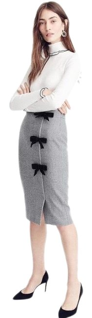 J.Crew Gray Bow Seam Pencil Skirt Size 8 (M, 29, 30) J.Crew Gray Bow Seam Pencil Skirt Size 8 (M, 29, 30) Image 1
