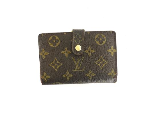 Preload https://img-static.tradesy.com/item/27969957/louis-vuitton-brown-clutch-monogram-canvas-and-leather-french-compact-kiss-lock-wallet-0-0-540-540.jpg