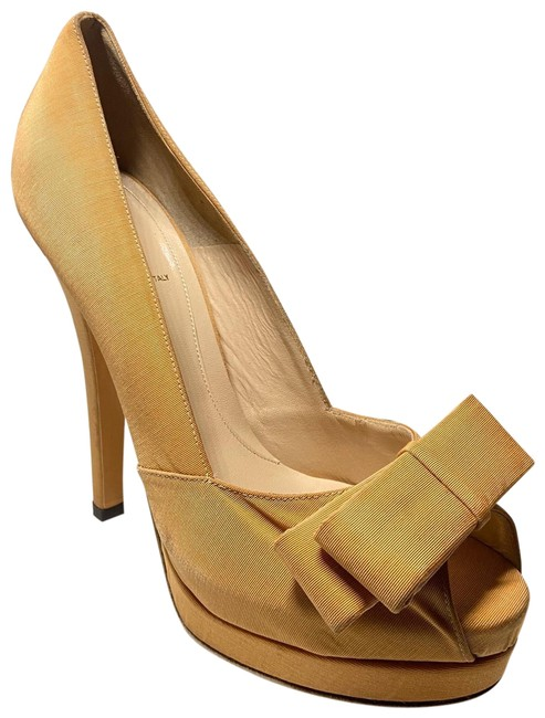 Item - Beige Deco Bow Toe Pump Platforms Size EU 40 (Approx. US 10) Regular (M, B)