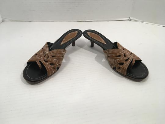 Cole Haan White All Brown leather topstitching separate toe separator stack wood kitten heels Sandals
