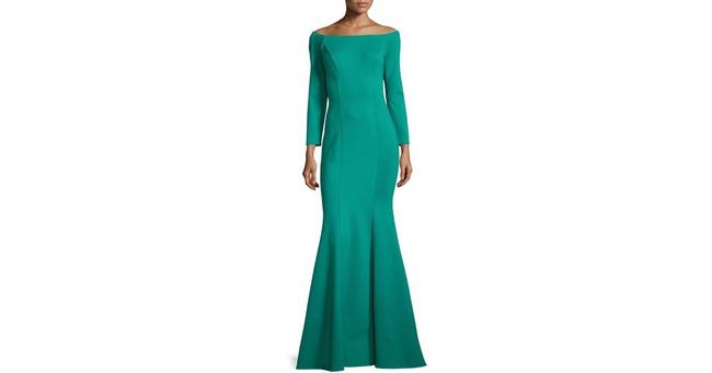 Item - Green Long Formal Dress Size 6 (S)