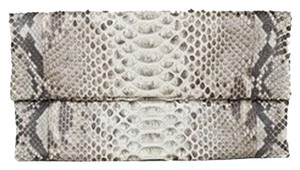 Presmer Black / White Clutch