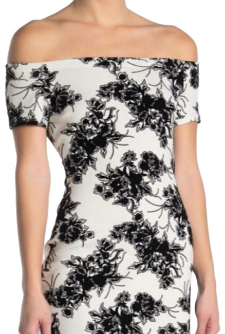 Item - Black and White Off-the-shoulder Floral Flocked Bodycon Short Cocktail Dress Size 16 (XL, Plus 0x)