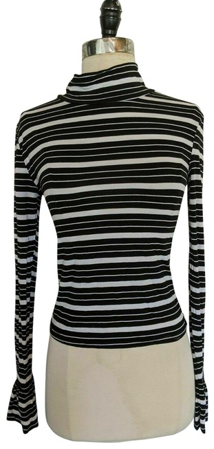 Preload https://img-static.tradesy.com/item/27976831/forever-21-multicolor-black-and-white-turtle-neck-striped-knit-ruffled-sleeve-sweatshirthoodie-size-0-1-650-650.jpg