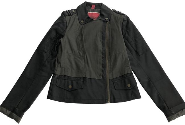 Preload https://img-static.tradesy.com/item/27977004/black-and-military-green-jacket-size-8-m-0-1-650-650.jpg