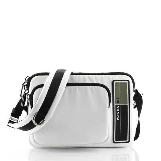 Preload https://img-static.tradesy.com/item/27977019/prada-logo-patch-zip-tessuto-medium-white-nylon-messenger-bag-0-0-540-540.jpg