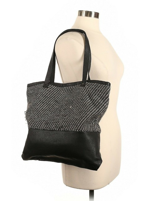 Item - Tweed Black Alpaca Leather Tote