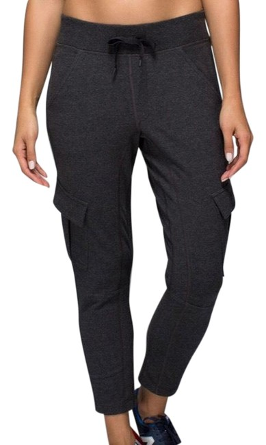Preload https://img-static.tradesy.com/item/27983314/lululemon-black-carry-and-go-cropped-joggers-activewear-bottoms-size-10-m-0-1-650-650.jpg
