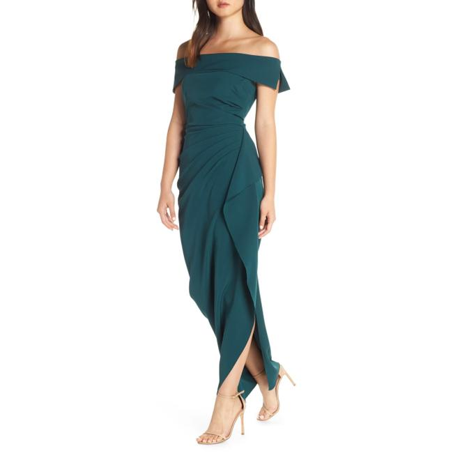 Item - Hunter Green Off Shoulder Ruffle Crepe Long Night Out Dress Size 8 (M)