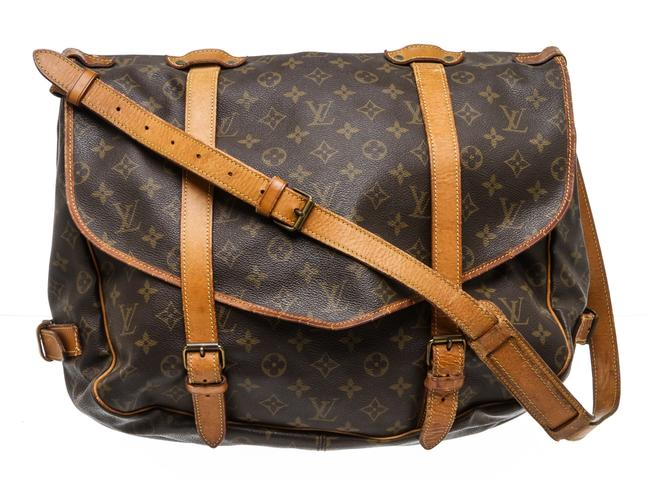 Louis Vuitton Saumur 43 Cm Brown Monogram Canvas and Leather Messenger Bag Louis Vuitton Saumur 43 Cm Brown Monogram Canvas and Leather Messenger Bag Image 1