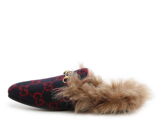Item - Navy & Red Fur Princetown Women's Loafers Mules/Slides Size EU 37 (Approx. US 7) Regular (M, B)