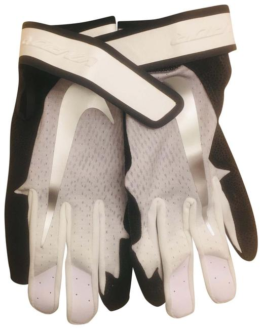 Nike Black White Sliver. Men's Gloves Gym/ Baseball. Nike Black White Sliver. Men's Gloves Gym/ Baseball. Image 1