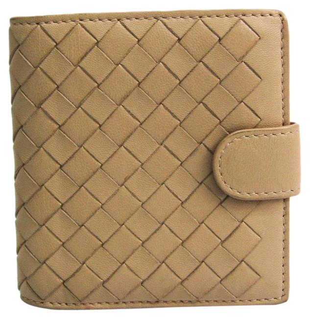 Item - Light Beige Intrecciato Unisex Leather (Bi-fold) Wallet