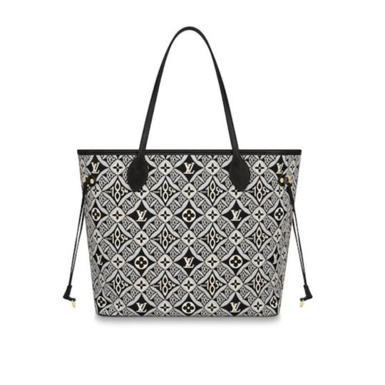 Preload https://img-static.tradesy.com/item/28004611/louis-vuitton-neverfull-1854-mm-giant-monogram-black-gray-limited-edition-no-pouch-jacquard-fabric-s-0-3-540-540.jpg