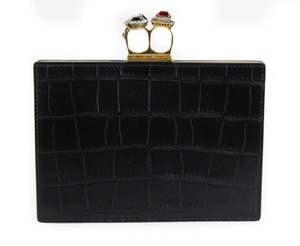 Item - New Silky Croc Embossed Four Ring Knuckle Black Leather Clutch