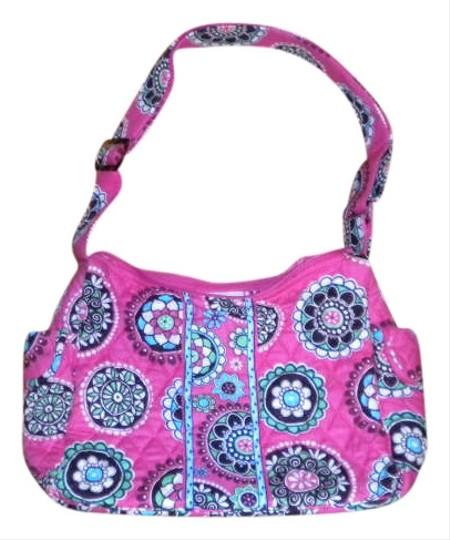 Preload https://item1.tradesy.com/images/vera-bradley-on-the-go-tote-cupcakes-pink-cotton-hobo-bag-280060-0-0.jpg?width=440&height=440
