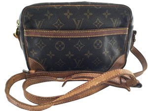Louis Vuitton Canvas Leather Messenger Cross Body Bag