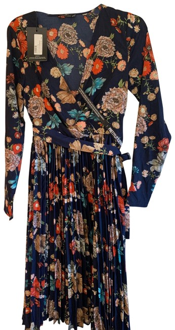 Item - Floral Classic Mid-length Work/Office Dress Size 8 (M)