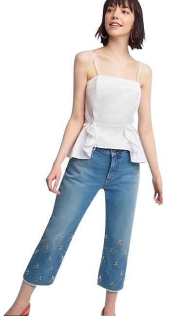 Item - Light Wash Embroidered High Rise Capri/Cropped Jeans Size 28 (4, S)