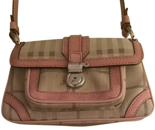 Preload https://item1.tradesy.com/images/burberry-london-beige-and-pink-fabric-with-snakeskin-handle-trim-shoulder-bag-2801080-0-0.jpg?width=440&height=440