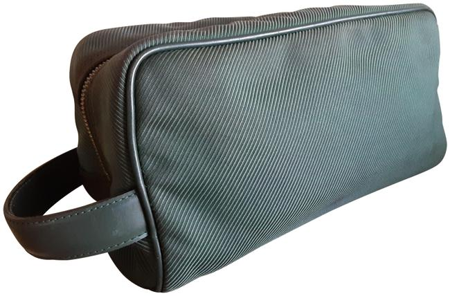 Item - Taiga Forest Green Carryall Toiletry Tote Twill Unisex Grooming Laptop Iphone Ipad Cosmetic Bag