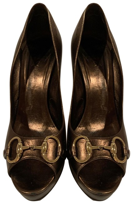 Item - Bronze Horsebit Metallic Leather Pumps Size US 10 Regular (M, B)