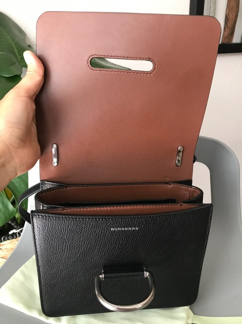 Burberry Crossbody Two-tone Small D-ring Leather Shoulder Bag Burberry Crossbody Two-tone Small D-ring Leather Shoulder Bag Image 11