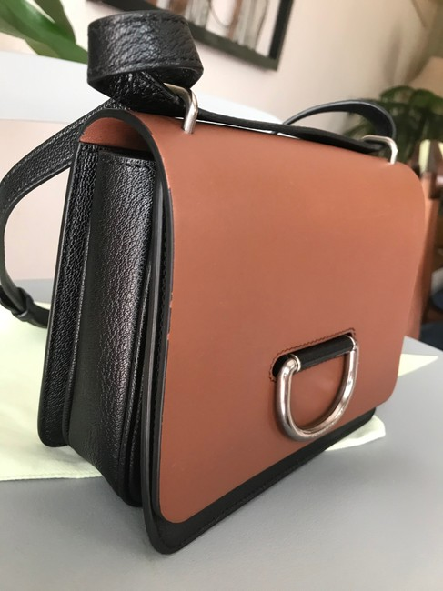 Burberry Crossbody Two-tone Small D-ring Leather Shoulder Bag Burberry Crossbody Two-tone Small D-ring Leather Shoulder Bag Image 10