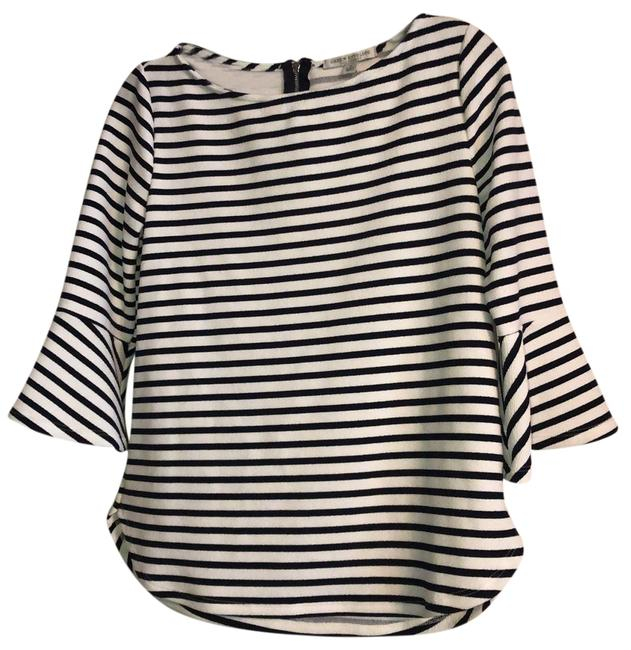 Item - Black and White Striped Bell Sleeve Tunic Size 6 (S)