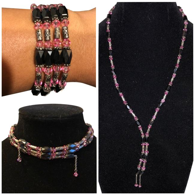 Black Pink and Silver Tone Beaded Necklace Black Pink and Silver Tone Beaded Necklace Image 1