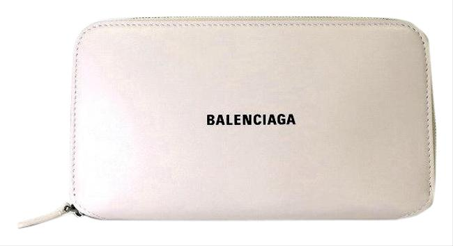 Item - Light Pink Round Zipper Wallet